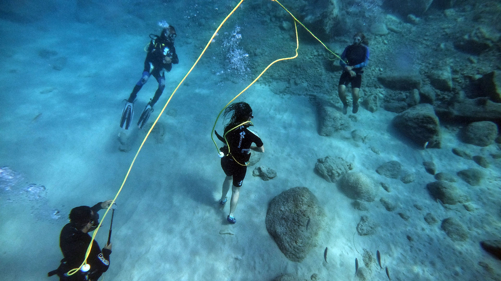 walk under water with Peter diving system